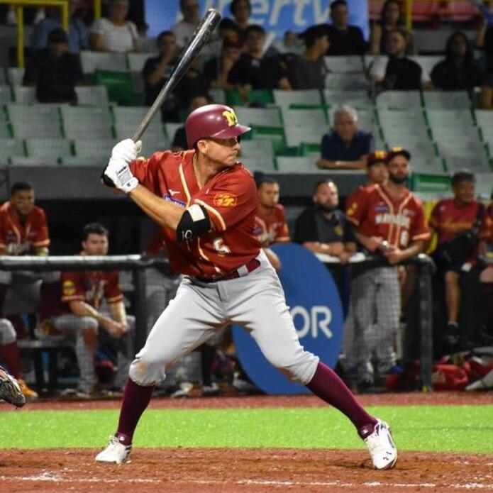 El infielder de los Indios, T.J. Rivera, conectó el batazo decisivo para la victoria de Mayagüez sobre Manatí el miércoles. (Archivo)