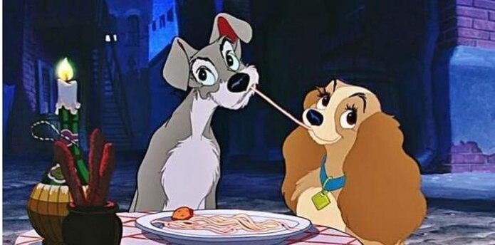 """La historia seguirá muy de cerca el clásico animado de 1955, con """"un cocker spaniel americano de clase media alta llamado Reina que se encuentra con un perro callejero llamado Golfo. (Disney)"""