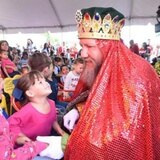 Reyes Magos de Juana Díaz llevan alegría a pequeños en Aibonito