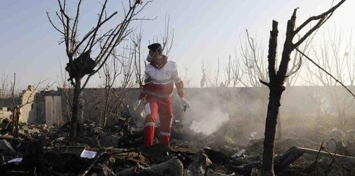 El avión llevaba a 167 pasajeros y nueve tripulantes de varios países, incluidos 82 iraníes y 57 canadienses. (AP / Ebrahim Noroozi)