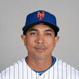 Luis Rojas destaca sus lazos familiares al ser presentado como manager de los Mets